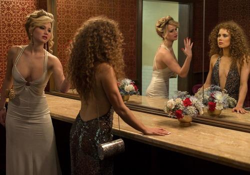 Jennifer Lawrence và Amy Adams đều có vai diễn ấn tượng trong sự nghiệp diễn xuất.