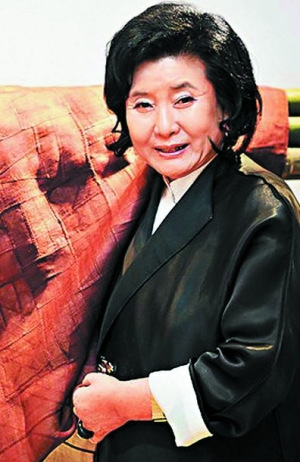 Bà Lee Young Hee.