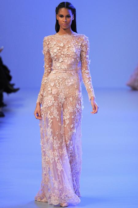 Sau Milan, Paris Haute Couture Fashion Week Thu 2014 đang diễn ra với sự chú ý của giới mộ điệu từ khắp nơi trên thế giới với các ông lớn Chanel, Dior, Versace, Elie Saab...
