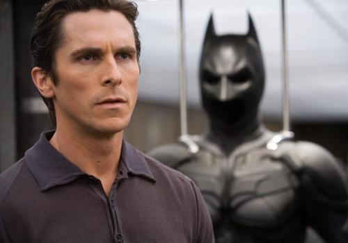 """Christian Bale gắn với hình ảnh người hùng Batman trong loạt phim """"The Dark Knight"""" của đạo diễn Christopher Nolan."""