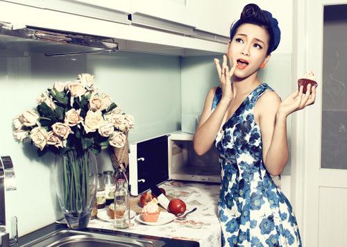 """Vẫn chất """"điên lạ"""" ấy nhưng Đinh Hương đã trở nên nữ tính và thời thượng hơn bao giờ hết."""