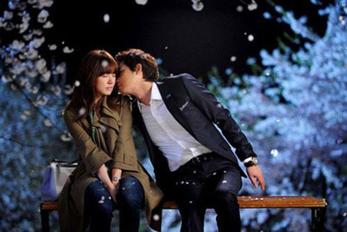ảnh quay lãng mạn trong không gian đầy hoa của Yoon Eun Hye và Kang Ji Hwan trong Lie to me