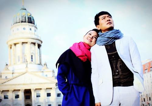 Tài tử Quách Hieur Đông và vợ, Trình Lợi Sa trải qua những thời khắc ấm áp trên đất
