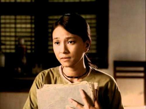 """""""Cô gái xấu xí"""" Ngọc Hiệp trong phim """"Ba mùa"""" năm xưa."""