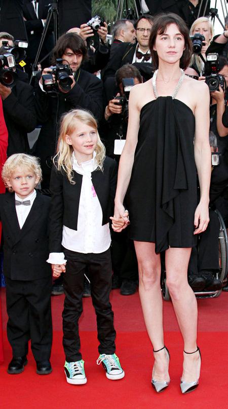 có 2 người con Ben và Alice
