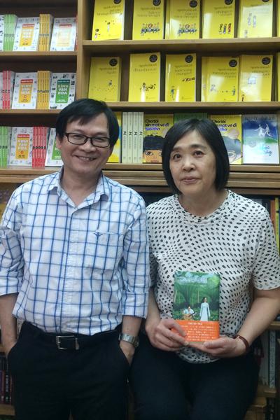 Nhà văn Nguyễn Nhật Ánh và dịch giả Nhật Kato.