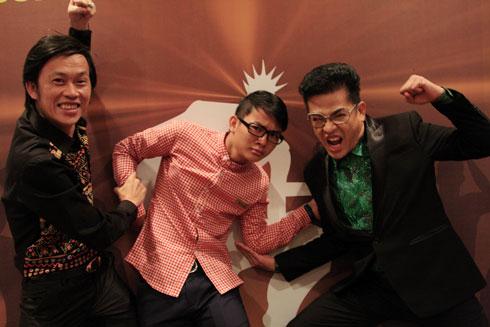 Từ trái qua: Hoài Linh, Hoài Lâm và MC Thanh Bạch tại buổi giới thiệu chương trình ở mùa giải mới.