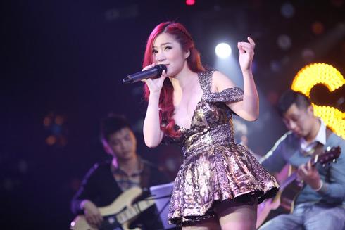 Quán quân The Voice khoe giọng với những ca khúc: I Will Always Love You , Hạ Trắng, Với Em Là Mãi Mãi&.