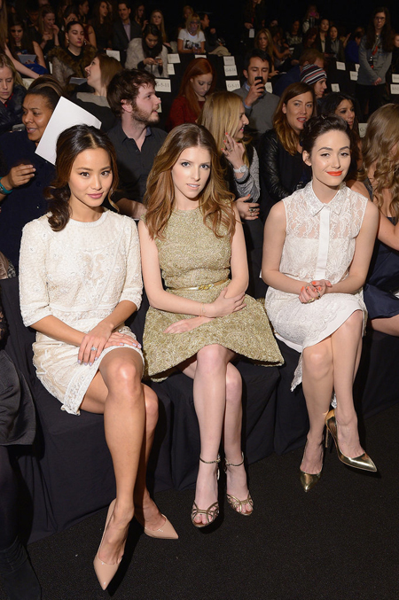 Jamie Chung, Anna Kendrick, and Emmy Rossum watched the Monique Lhuillier show together.