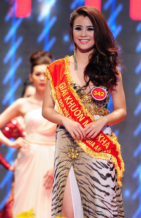 Giải thí sinh được bạn đọc bình chọn nhiều nhất : Trần Thị Tuyết Nhi (1995  TPHCM