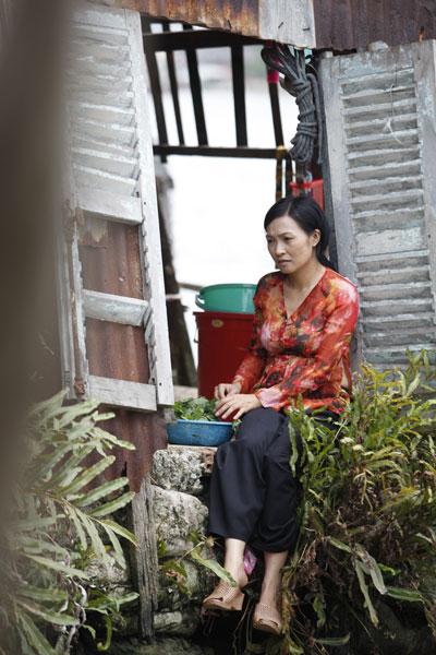 Phương Thanh vào vai chị hai của Đông Dương, một người đàn bà vất vả vì chồng con.