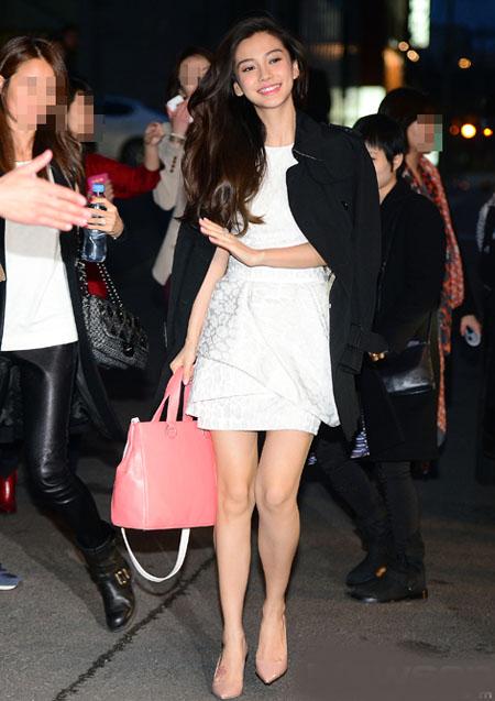 Người đẹp Trung Quốc Angelababy tham gia hoạt động quảng bá sản phẩm ở Seoul, Hàn Quốc hôm 13/3.