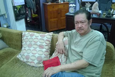 Nguyễn Chánh Tín cho biết ông vốn đã bệnh lại càng bệnh nặng hơn vì bị xử thua trong vụ kiện đến phải mất căn nhà gắn bó bao năm.