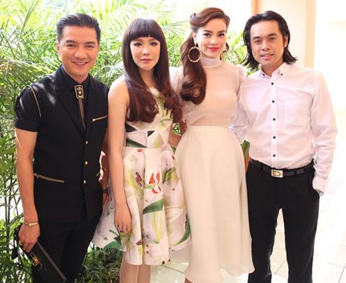 Từ trái qua: Đàm Vĩnh Hưng, Hồ Quỳnh Hương, Hồ Ngọc Hà và Dương Khắc Linh, 4 giám khảo của cuộc thi âm nhạc trên truyền hình.