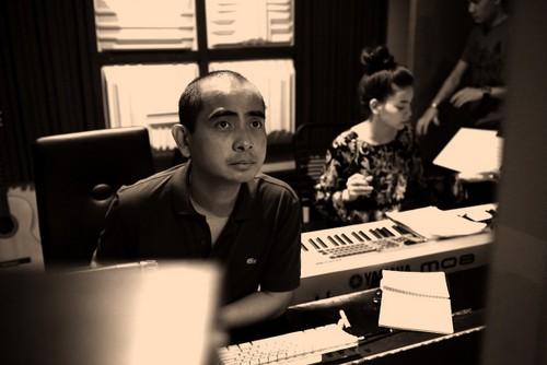 [Caption]Hồ Ngọc Hà và ê kíp cùng nhạc sỹ Đức Trí sẽ bắt tay thực hiện và giới thiệu một dự án âm nhạc mới