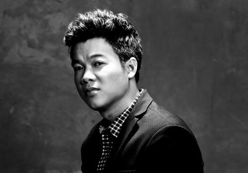 Sau khi giành Á quân Sao Mai 2011 ở dòng nhạc Thính phòng, Vũ Thắng Lợi từng đứng trên nhiều sân khấu lớn, trong đó có In the Spotlight.