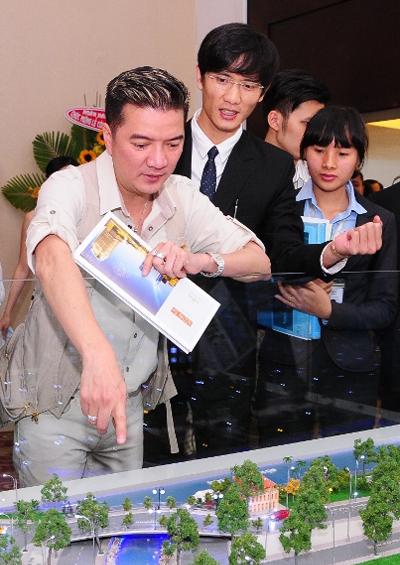 """Ngoài ca hát, """"ông hoàng nhạc Việt"""" cũng rất nhạy bén trong kinh doanh. Do đó, khi thị trường BĐS đã có những tín hiệu tích cực trở lại, anh đã không chần chừ đầu tư ngay trong thời điểm này"""
