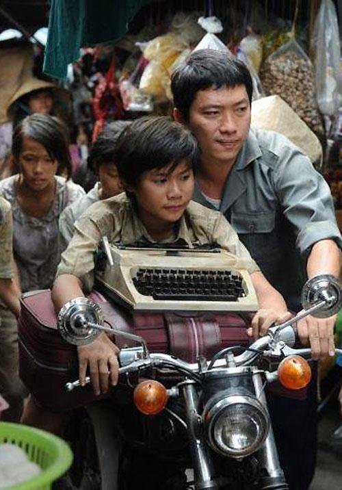 Một cảnh trong phim Noble do Kinh Quốc thủ vai vệ sĩ của nhân vật chính.