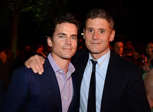 Matt Bomer (trái) và bạn