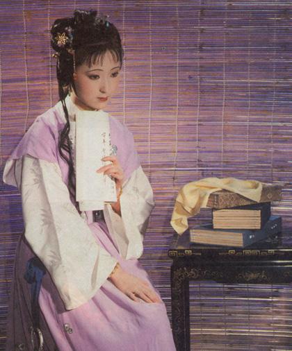 Cả giới chuyên môn và người hâm mộ đều nhận định, Trần Hiểu Húc sinh ra để thể hiện cô gái
