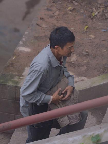 Lost and Lonely khởi quay từ đầu tháng 3, với nội dung xoay quanh nạn buôn bán trẻ em.