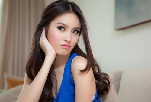 Miss Tiffany Universal 2004 Nong Poy
