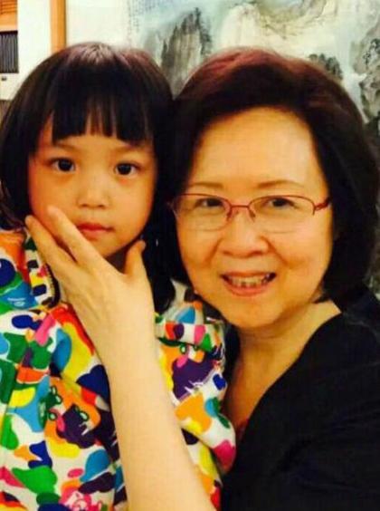 Con gái Triệu Vy và Quỳnh Dao.