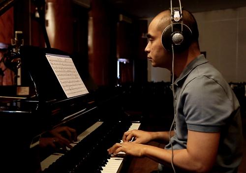 Nhạc sĩ Đức Trí dành nhiều thời gian cho sản phẩm âm nhạc mới của Phạm Thu Hà.