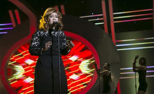 Hoài Lâm gây ấn tượng trong chương trình tối 10/5 với ca khúc