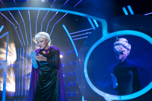 Đại Nghĩa gây thích thú với tạo hình giống hệt công chúa Elsa trong bộ phim hoạt hình Frozen.