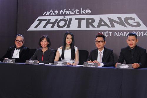 Tập đầu tiên của chương trình Project Runway  Nhà Thiết Kế Thời Trang Việt Nam 2014 vừa lên sóng VTV3 đêm 11/5 đã ngay lập tức gây ấn tượng mạnh với khán giả với những tình tiết kịch tính, nghẹt thở xen lẫn những trường hợp hài hước thú vị