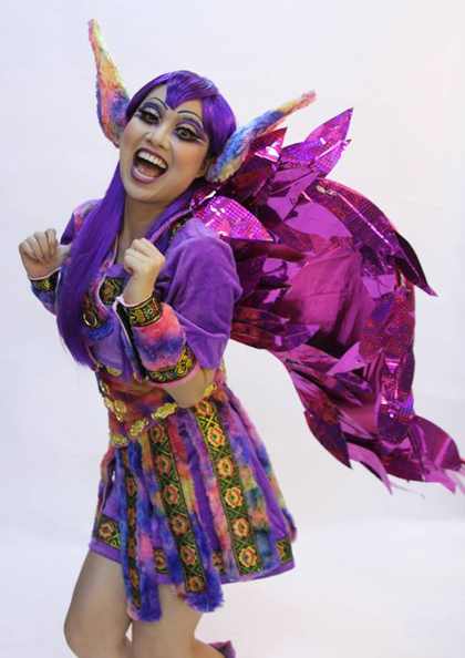 Nhân vật con ngựa tím của Lê Khánh tiếp tục mang đến những trận cười vỡ bụng trên sân khấu thiếu nhi.