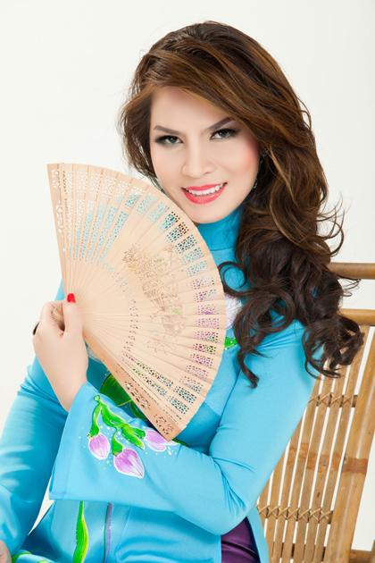 Hoa hậu quý bà Đoàn Kim Hồng.