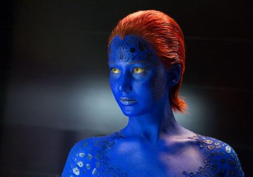 """Vai Raven / Mystique của Jennifer Lawrence là chiếc """"chìa khóa"""" quan trọng trong câu chuyện tập này nên người đẹp 9x có nhiều đất diễn nhất."""