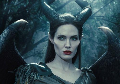 Tạo hình Maleficent của Angelina Jolie gây ấn tượng mạnh mẽ. Ảnh: Disney.