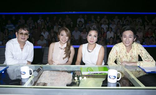 Ngoài tư cách khách mời, cô còn là vị giám khảo thứ tư trong chương trình tối qua.