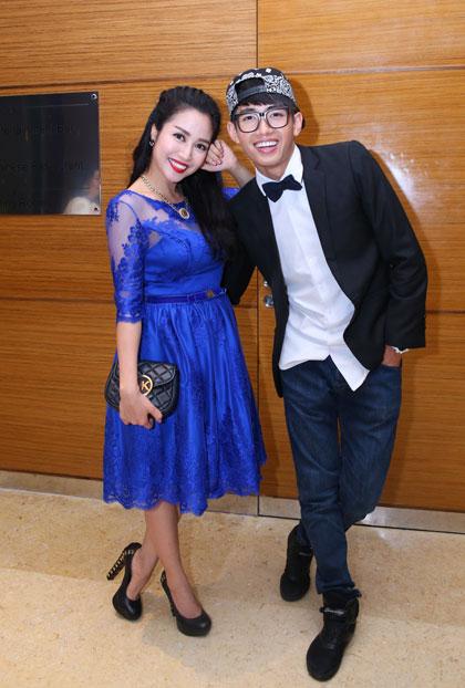 """""""Ốc"""" Thanh Vân"""" và vũ công Quang Đăng tranh thủ dự tiệc sau khi làm giám khảo cho buổi ghi hình đầu tiên của """"Bước nhảy Hoàn vũ nhí""""."""