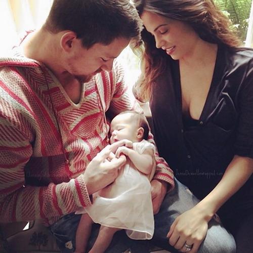Channing Tatum hạnh phúc bên vợ Jenna Dewan và con gái Everly.