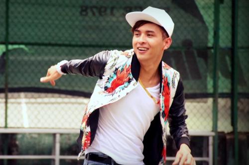 Hồ Quang Hiếu muốn mang đến sự lạc quan, yêu đời hơn trong album mới của mình.