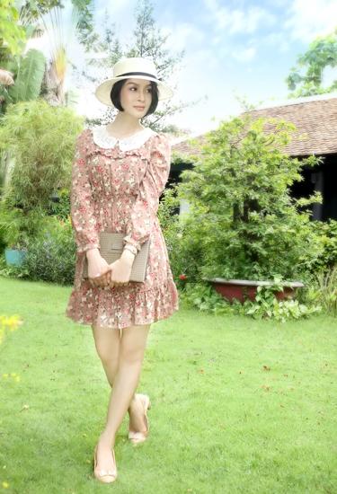 Trong thời trang, Thanh Mai không quan trọng chuyện hàng hiệu. Miễn là bộ trang phục có kiểu dáng chị thích, chất liệu tốt.