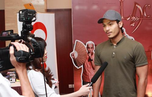 Vũ Tuấn Việt rất xúc động khi được đạo diễn Phi Tiến Sơn chọn vào vai thứ chính trong phim điện ảnh mới của ông.