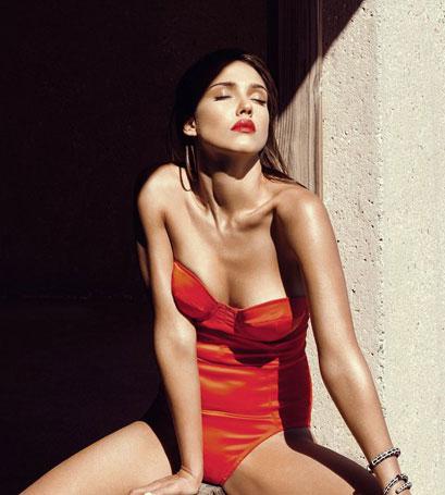 Hình ảnh của Jessica Alba trên tạp chí GQ.