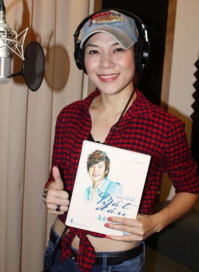 Nhân giỗ đầu của Wanbi Tuấn Anh, ca sĩ Mỹ Tâm thu âm ca khúc 'Về bên anh' như món quà muộn dành cho anh.