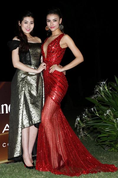 """""""         Buổi tiệc được tổ chức tại InterContinental Danang Sun Peninsula, một trong những khách sạn hàng đầu ở khu vực châu Á."""