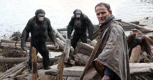 Mâu thuẫn giữa loài người và khỉ được đẩy lên cao trong phần này.