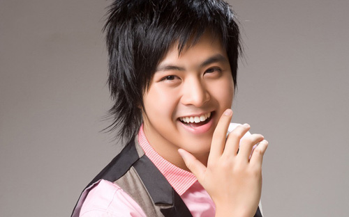Sự ra đi của nam ca sĩ khiến không ít khán giả cũng như nghệ sĩ Việt tiếc nuối.