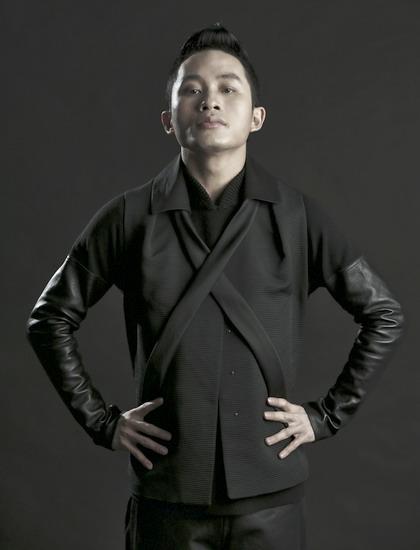 Tùng Dương sẽ biểu diễn nhiều bài hát kinh điển cùng Dàn nhạc Giao hưởng Việt Nam.