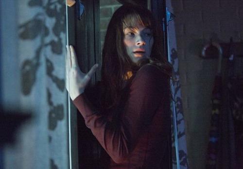 Haley Bennett trong vai nữ sinh viên Justine.
