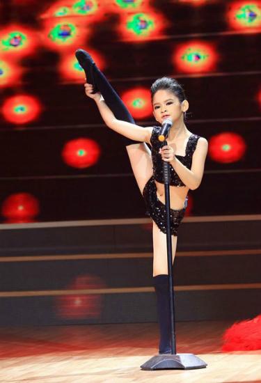 Thí sinh Trần Bảo Ngọc nhảy dancesport