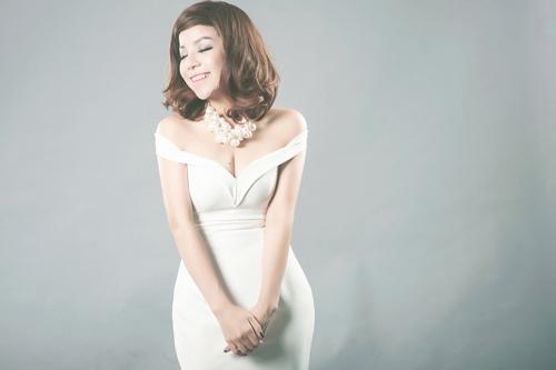 Nữ ca sĩ tâm niệm mỗi người khi yêu cần sống hết mình với nó để có thể trải nghiệm mọi cung bậc của cảm xúc.